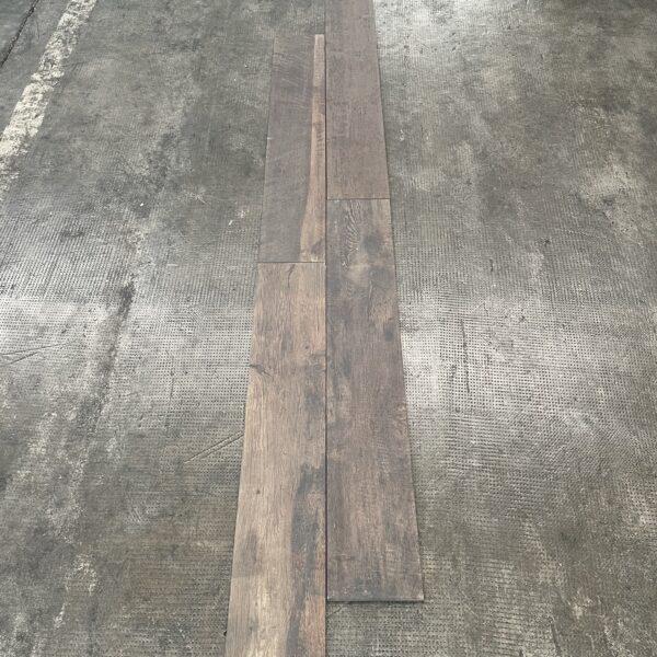piastrella effetto legno